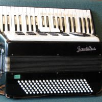 Frontalini 120 bass womens accordion